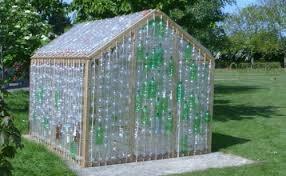 Строительство парника из пластиковых бутылок